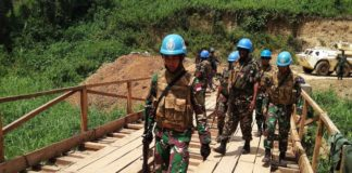 An Indonesian engineering unit and Tanzanian battalion from the UN Mission in DRC, MONUSCO, inspect a bridge in Beni (file photo).
