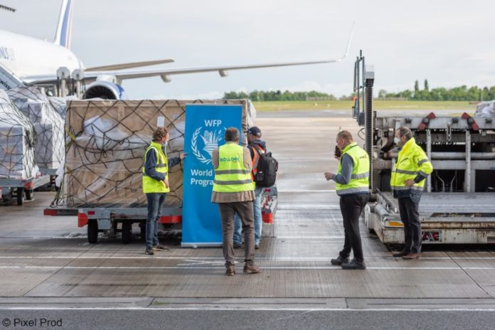 WFP COVID19 aid on airport runway | © WFP