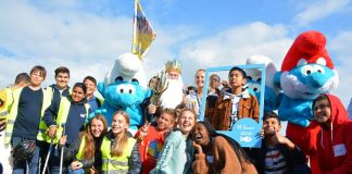 EU/UN Smurfs beach clean up