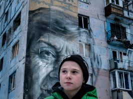 UNICEF-UN0150878-Gilbertson VII Photo- boy contact line eastern ukraine